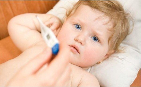 Trẻ mọc răng sốt bao nhiêu độ?