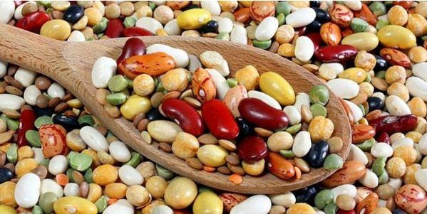Cung cấp canxi cho trẻ bằng các loại đậu.