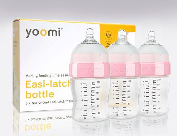 Bình sữa Yoomi tự hâm nóng có tốt không?
