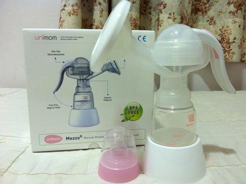 Máy hút sữa bằng tay UNimom